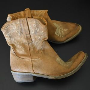 Boutique 9 Cowboy Ankle Boots